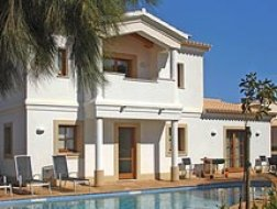Villa Madrugada on Plot 153 of 575 m²
