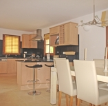 madrugada-kitchen-dining-room