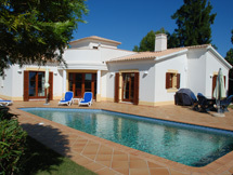 Vila Pinheiro on Plot 61 of 870m2